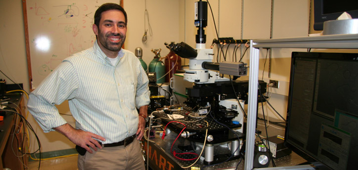 Dasniel Llano in his lab at the Beckman Institute.