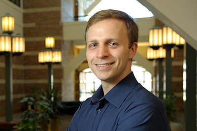 Beckman Institute Postdoctoral Fellow Tomasz Wrobel