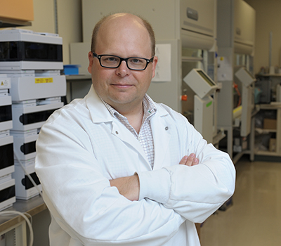 Wawrzyniec (Wawosz) Dobrucki, an assistant professor of bioengineering and member of Beckman's Bioimaging Science and Technology Group, will give the Director's Seminar lecture at noon, April 5 in Room 1005.