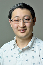 Qiong Wu is a postdoctoral researcher in the Moore Group and specializes in the chemistry of ring polymers.