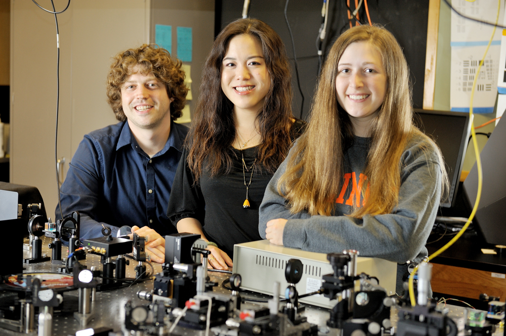 Student researchers work in a lab at the Beckman Institute.